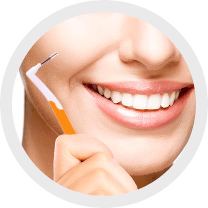 L'importanza di scegliere e usare correttamente uno spazzolino interprossimale