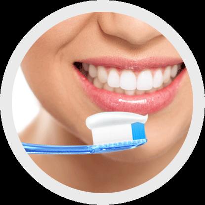Ottieni una buona igiene dentale usando lo spazzolino interdentale
